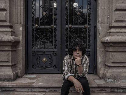 El cantante Ed Maverick retratado en la Ciudad de México.