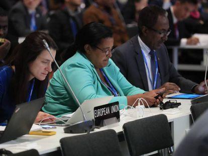 Participantes en las negociaciones de la COP25, ayer en Ifema.
