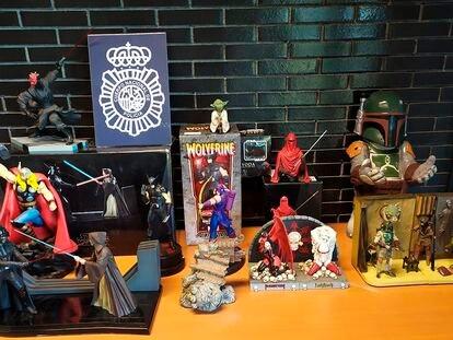 Alguno de los objetos de coleccionista que habían sido robados.
