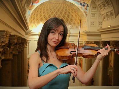 La violinista Lina Tur Bonet, en el Oratorio del Caballero de Gracia de Madrid. En el vídeo interpreta 'Fantasía', inédito de Matteis