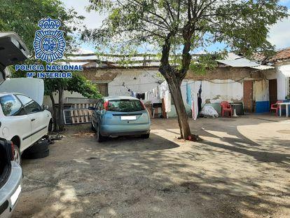 Finca de La Seca (Valladolid) en la que vivían los migrantes, en una imagen de la Delegación del Gobierno.
