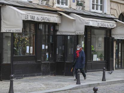 Imagen de un restaurante de París, cerrado, el pasado mes de enero.
