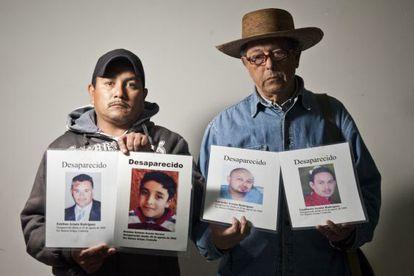 Francisco Almaguer y Raúl Reyes recuerdan a cuatro desaparecidos.