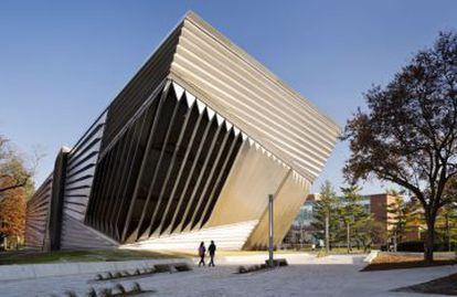 Aspecto del museo Broad, nuevo edificio de Zaha Hadid.