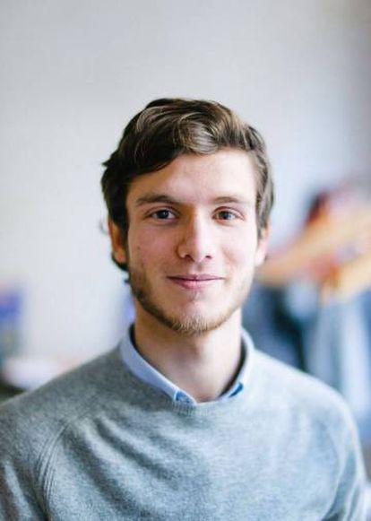 El joven, en una foto actual en Estocolmo