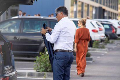El tío y exentrenador de Rafa, Toni Nadal, en la Academia Rafa Nadal, desde donde salen los autobuses hacia Sa Fortaleza.