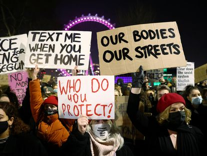Manifestación tras la muerte de Sarah Everard frente a Scotland Yard, en Londres el pasado 16 de marzo.