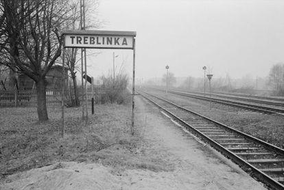 Las vías de tren por las que llegaban, hasta la entrada misma del campo de exterminio, los vagones cargados de prisioneros, rumbo a la muerte.