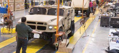 Fábrica de la empresa de vehículos militares AM General en Mishawaka (Indiana)