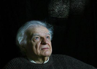 El escritor y traductor francés Yves Bonnefoy.