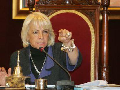 Teófila Martínez, durante un pleno municipal.