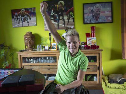 La atleta paralímpica Marieke Vervoort en su casa de Diest (Bélgica).