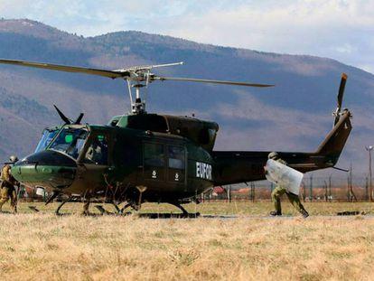 Entrenamiento de la fuerza de la UE desplegada en Bosnia, en marzo en el campamento de Butmir.