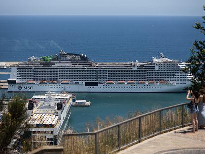 Crucero MSC Grandiosa en el puerto.