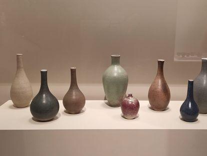 Los ocho jarrones creados a partir de 1959 y durante dos años por Artigas para su cliente Bonaventura Martí.