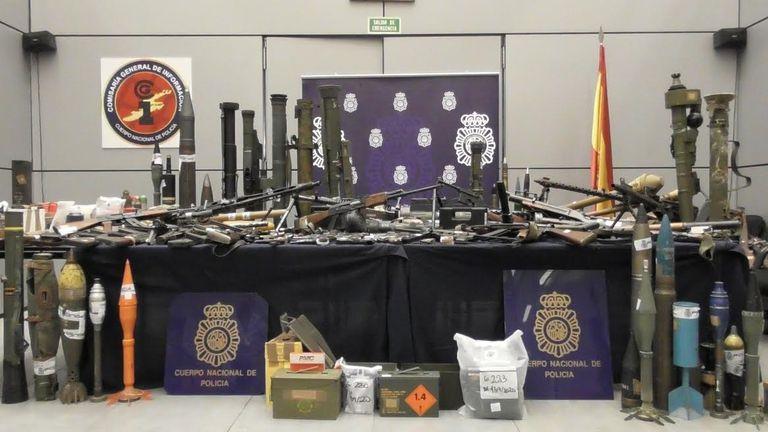 Las armas incautadas por la Policía Nacional en Zamora.