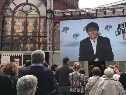 El candidato de JxCat a las elecciones europeas, Carles Puigdemont, en un acto de campaña por vía telemática.