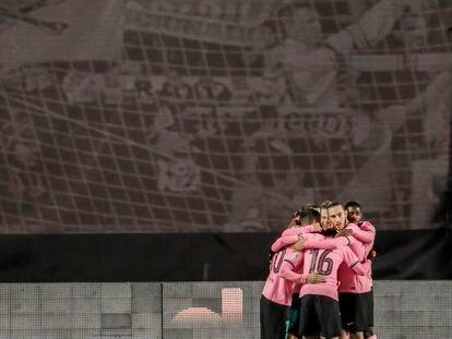 Los jugadores del Barcelona celebran un gol en la eliminatoria de la Copa del Rey ante el Rayo.