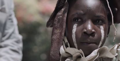Fotograma de la película 'I am not a witch', de la realizadora zambiana Rungano Nyoni.