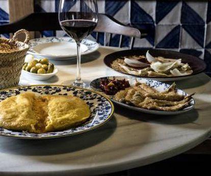 La tortilla de Betanzos de Taberna Pedraza es a la gastronomía lo que 'Déjame' de Los Secretos a la movida madrileña.