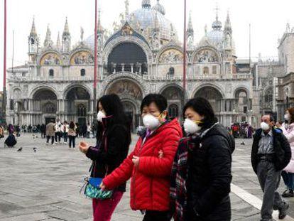 La expansión fuera de China, sobre todo en Italia, Irán y Corea del Sur, muestra la dificultad de poner barreras al patógeno