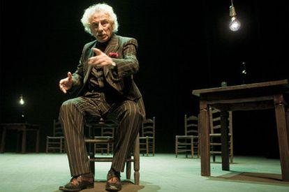 Rafael Álvarez, <i>El Brujo,</i> durante la interpretación de <i>El testigo.</i>