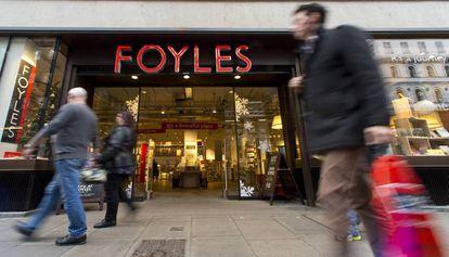 Acceso a la librería Foyles en la calle Charing Cross, en Londres.