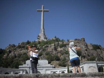 El Gobierno aprueba sacar al dictador del Valle de los Caídos. La familia del autócrata dispondrá de 15 días para presentar alegaciones