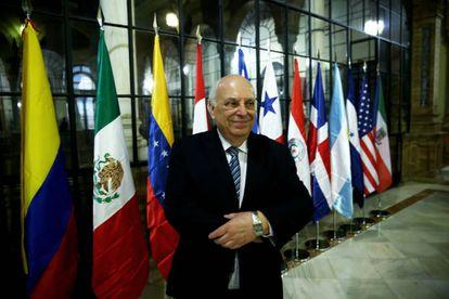 El director honorario de la Academia Chilena de la Lengua, Alfredo Matus.