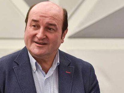 En vídeo, presidente de la ejecutiva del PNV, Andoni Ortuzar, en un acto el pasado 11 de abril.