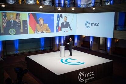 Joe Biden, Angela Merkel y Emmanuel Macron durante su intervención virtual de este viernes en la Conferencia de Seguridad de Múnich.