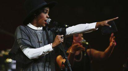 La cantante Lauryn Hill, en una actuación de 2014.