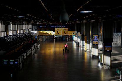 Imagen de este martes del aeropuerto de Guarulhos, vacío.