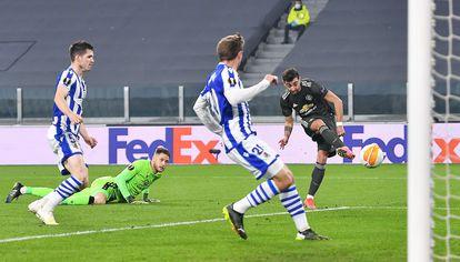 Bruno Fernandes marca el primer gol.