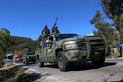 Unos 3.500 militares y 200 policías arribaron hoy a Chilapa, en Guerrero
