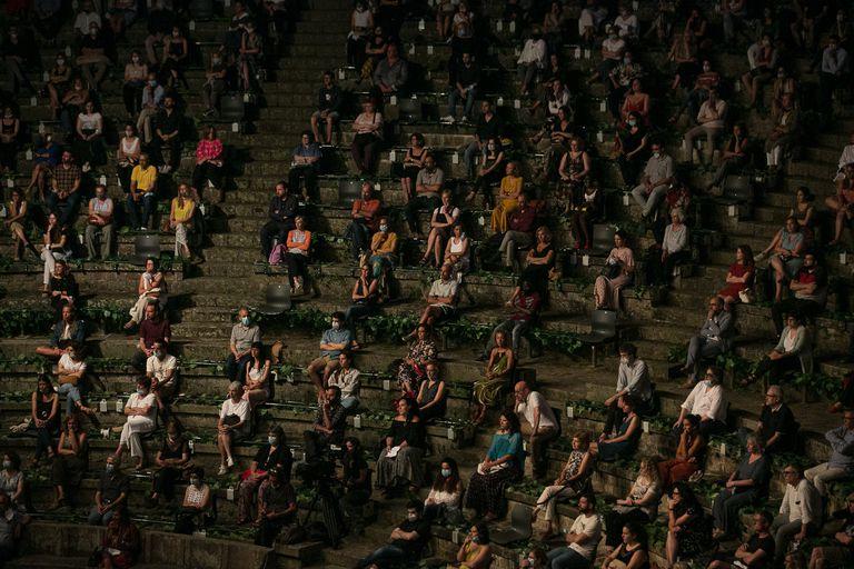 Imagen del público en la inauguración el martes del festival Grec.