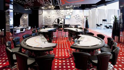 Interior de un casino de Valencia.