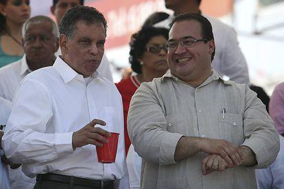 Fidel Herrera, a la derecha y Javier Duarte, en una acto en 2013.