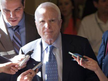 John McCain, antes de su viaje a Egipto, en el Capitolio.