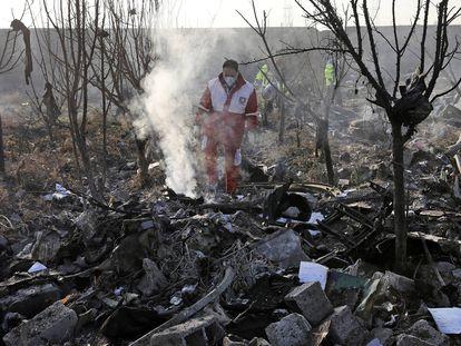 El accidente de un avión de Ucrania en Irán, en imágenes