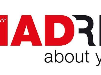 """El logo presentado ayer por el Gobierno regional, en el que destaca la palabra MAD formada por las tres primeras letras en rojo, y seguida de """"RID"""". En la M aparecen las siete estrellas que forman la bandera de la Comunidad de Madrid."""