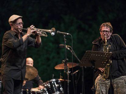 John Zorn (derecha) y Dave Douglas, en el concierto del Masada Quartet.