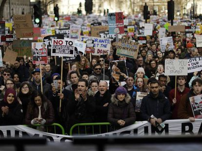 Manifestación contra el veto migratorio de Trump, este sábado en Londres.