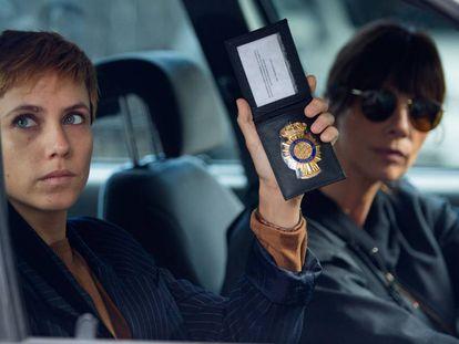 Aura Garrido y Maribel Verdú, en 'El asesino de los caprichos'.