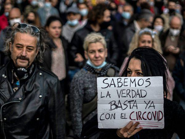 """DVD 1026 (07-11-20) Manifestacion """"Policias por la libertad"""" de negacionistas del Covid19 en Madrid.  Foto: Olmo Calvo"""