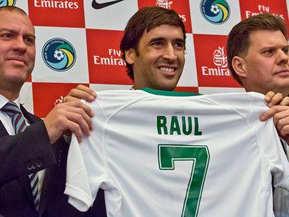 Raúl anuncia su retirada del fútbol