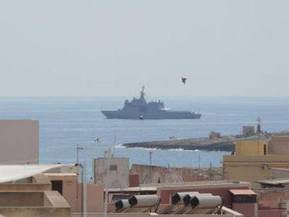 El buque tiene la misión de traer a España a parte de las personas que auxilió la ONG el pasado 1 de agosto, tal y como se acordó por la Comisión Europea