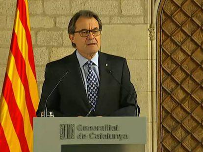 Artur Mas, en una comparecencia en 2015 tras declarar por el 9-N.