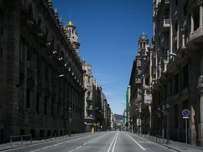 La Via Laietana de Barcelona, completamente vacía durante el confinamiento.