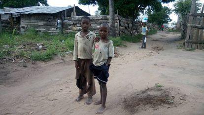 Niños de las afueras de Quelimane, Mozambique.